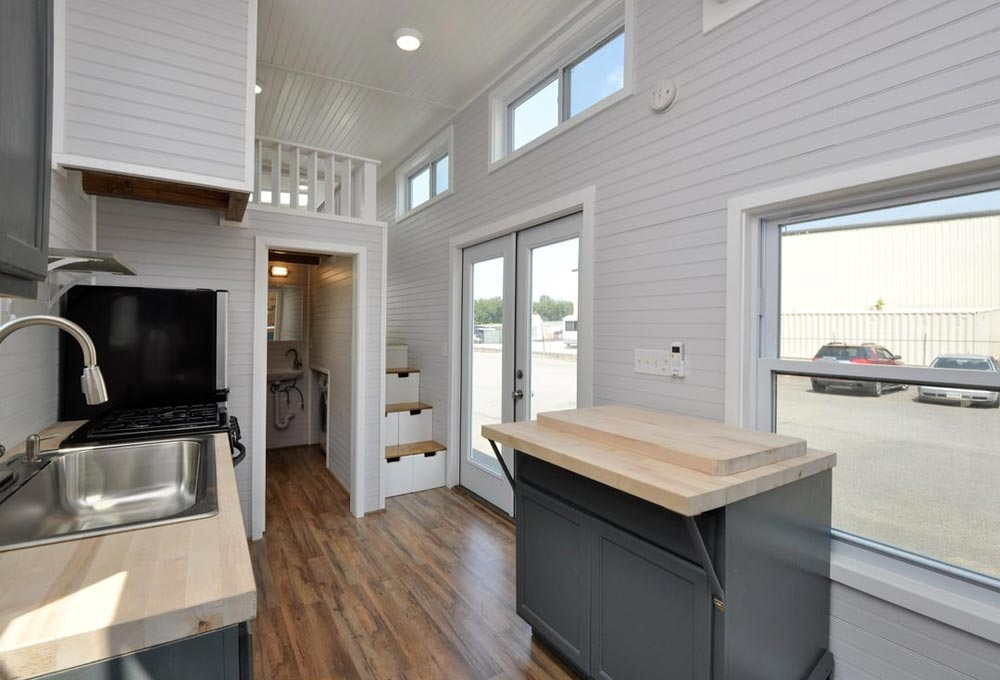Movable Island - Inglewood by Tiny House Building Company