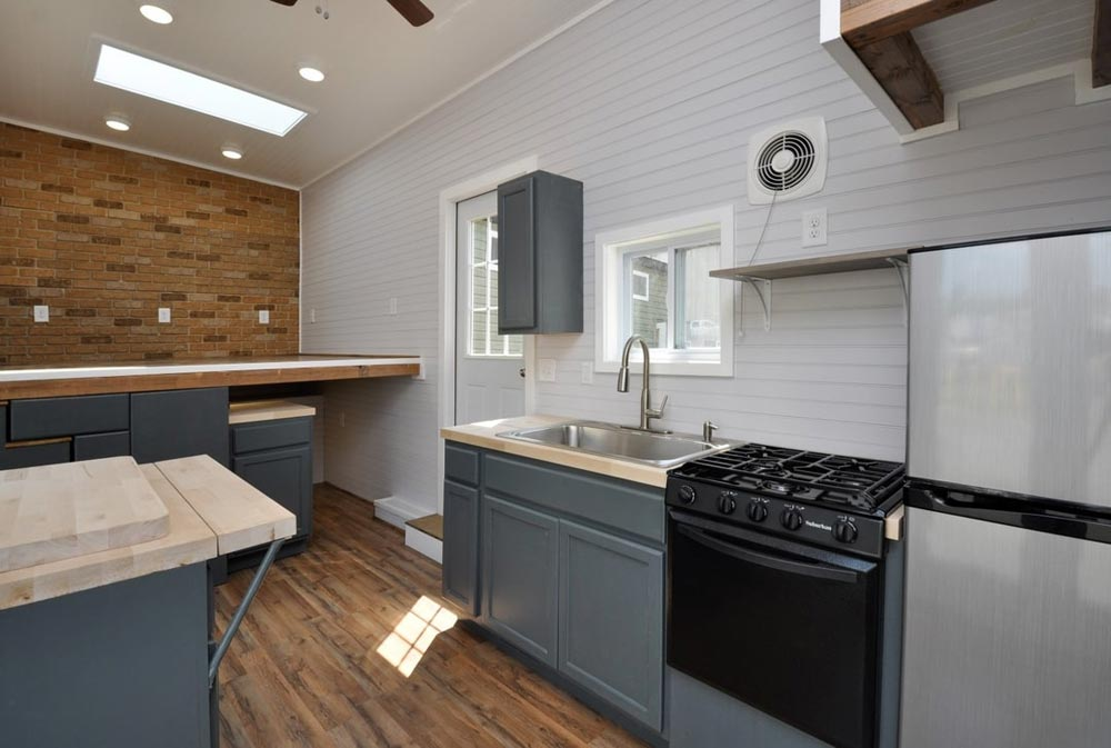 Propane Range - Inglewood by Tiny House Building Company