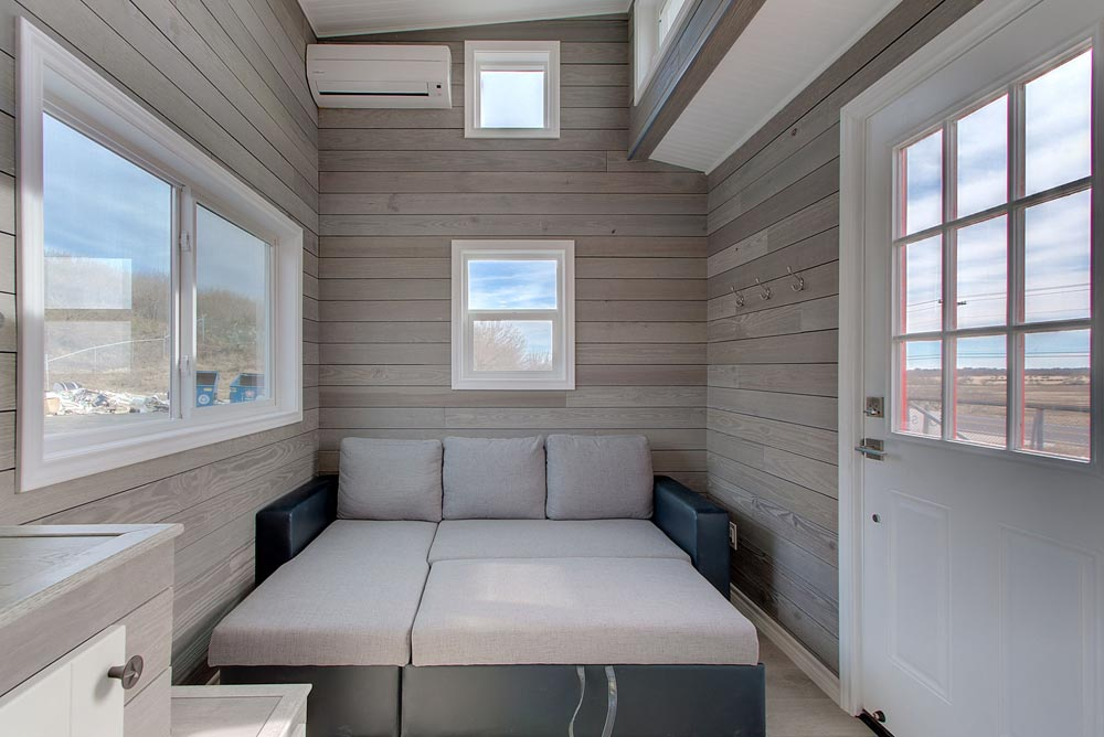 Queen Sofa Bed - Zilker by ATX Tiny Casas