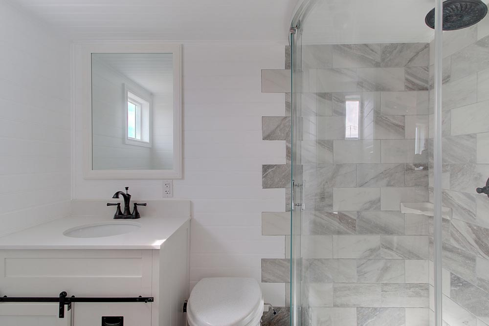 Bathroom - Zilker by ATX Tiny Casas