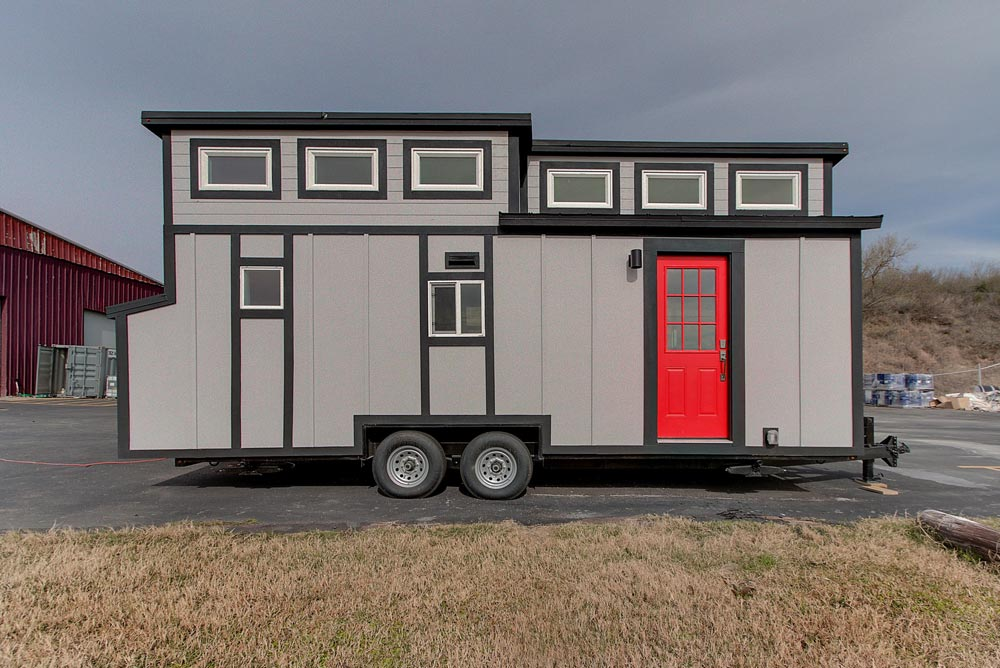 Red Front Door - Zilker by ATX Tiny Casas