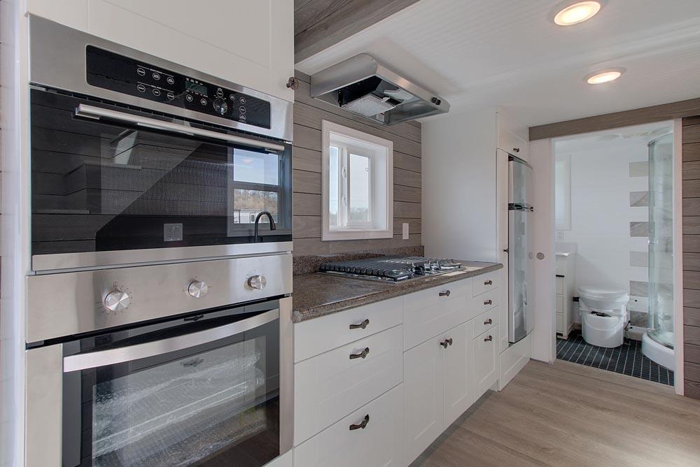 Full Size Appliances - Zilker by ATX Tiny Casas