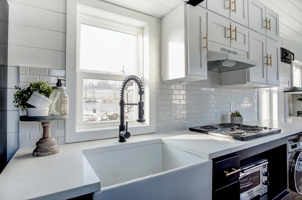 Farmhouse Sink - Braxton by Modern Tiny Living