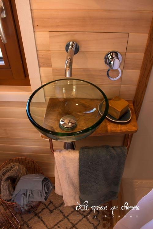 Glass Bowl Sink - Flore by La Maison Qui Chemine