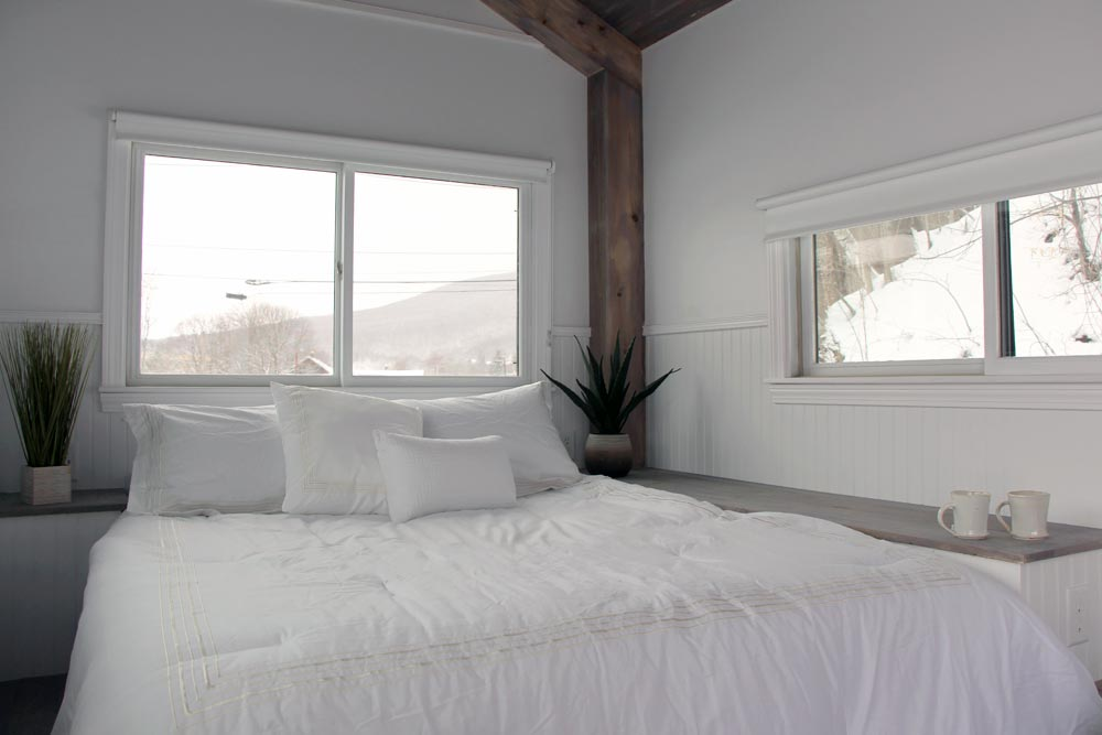 Queen Size Bed - Hudson by B&B Micro Manufacturing