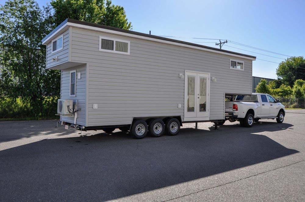 Gooseneck Tiny Home - Sunnyside by Tiny House Building Company
