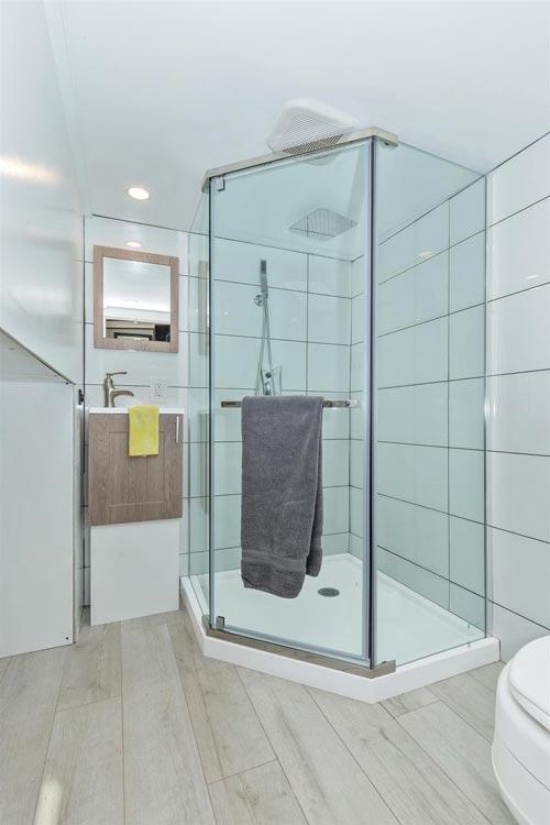 Bathroom - Sugarloaf by Humble Houses