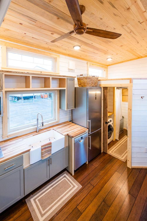 Kitchen & Bathroom - Ross' 35' Gooseneck Tiny House by Mitchcraft Tiny Homes