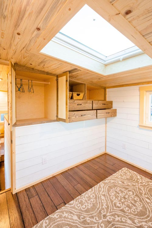 Bedroom Skylight - Ross' 35' Gooseneck Tiny House by Mitchcraft Tiny Homes
