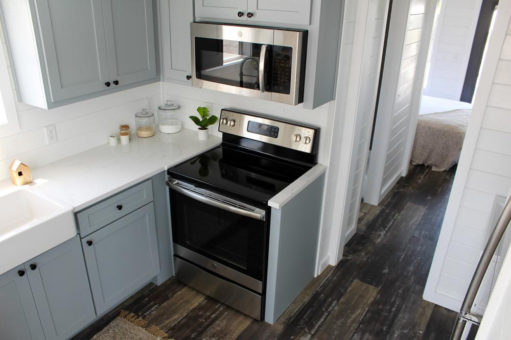 Full Size Appliances - Zion by Mustard Seed Tiny Homes