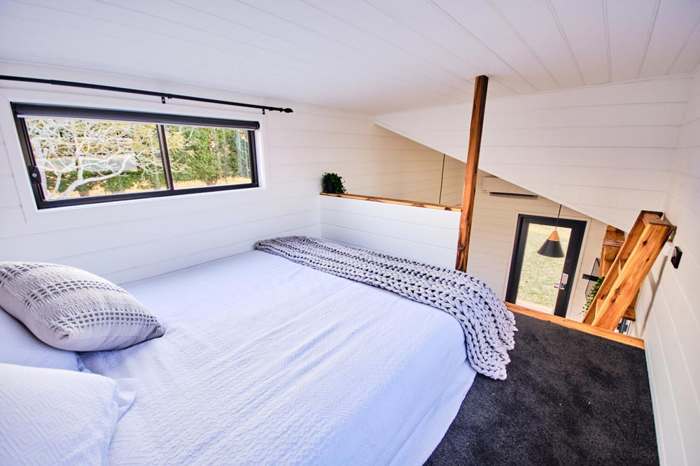 Queen Bedroom Loft - Little Sojourner by Häuslein Tiny House Co