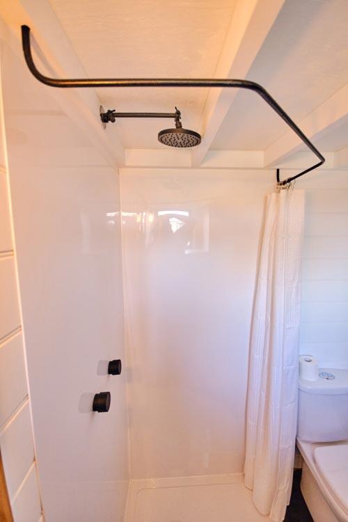 Corner Shower - Little Sojourner by Häuslein Tiny House Co