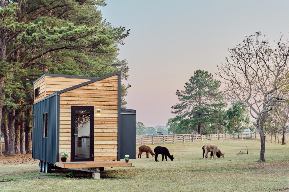 Slide-Out - Little Sojourner by Häuslein Tiny House Co