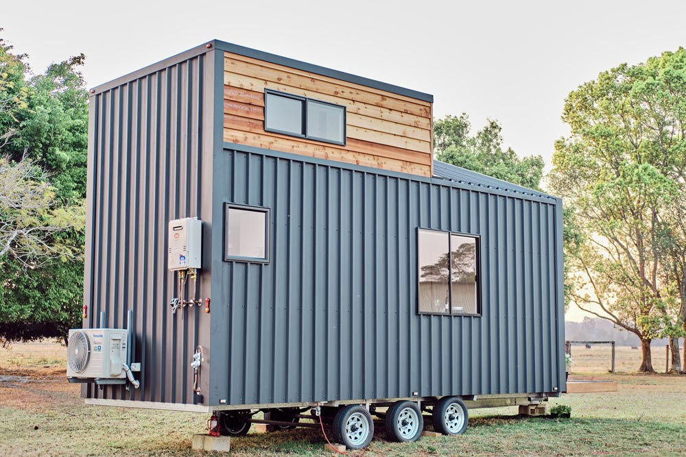 Two-Tone Exterior Cladding - Little Sojourner by Häuslein Tiny House Co