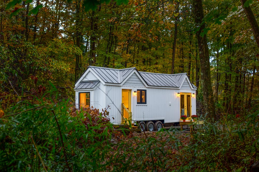 New England Cottage Style Tiny House - Burmenbov by Willowbee Tiny Homes