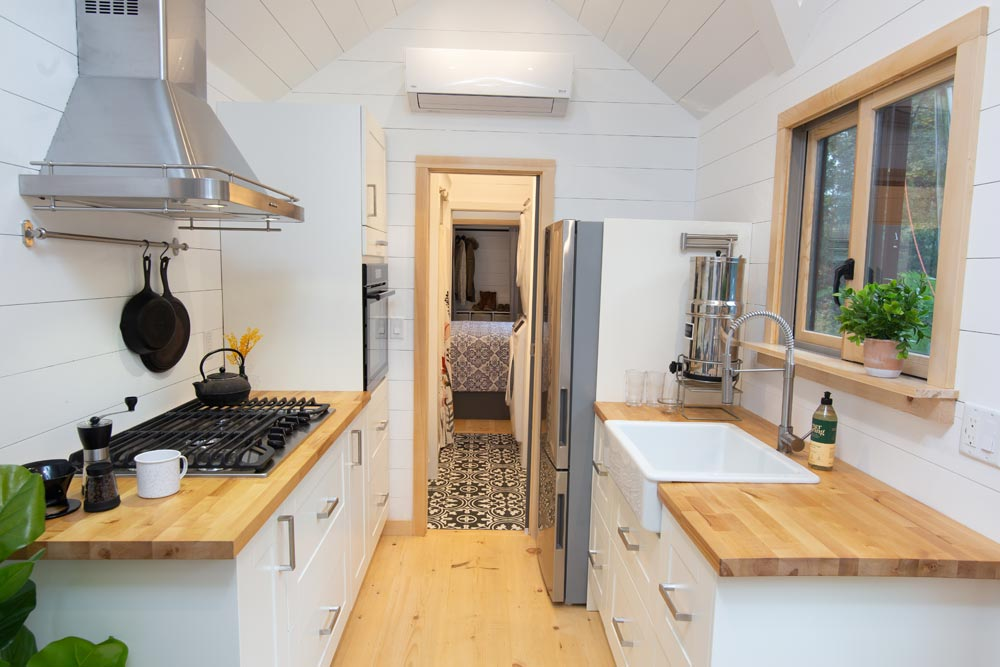 Galley Kitchen - Burmenbov by Willowbee Tiny Homes