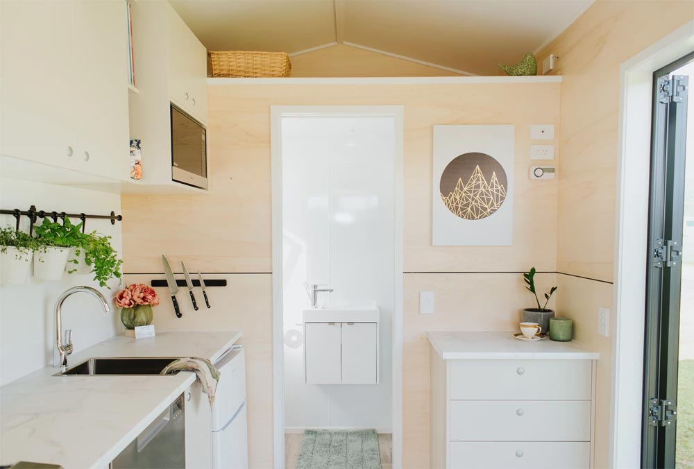 Kitchen & Bathroom - Camper Tiny House by Build Tiny