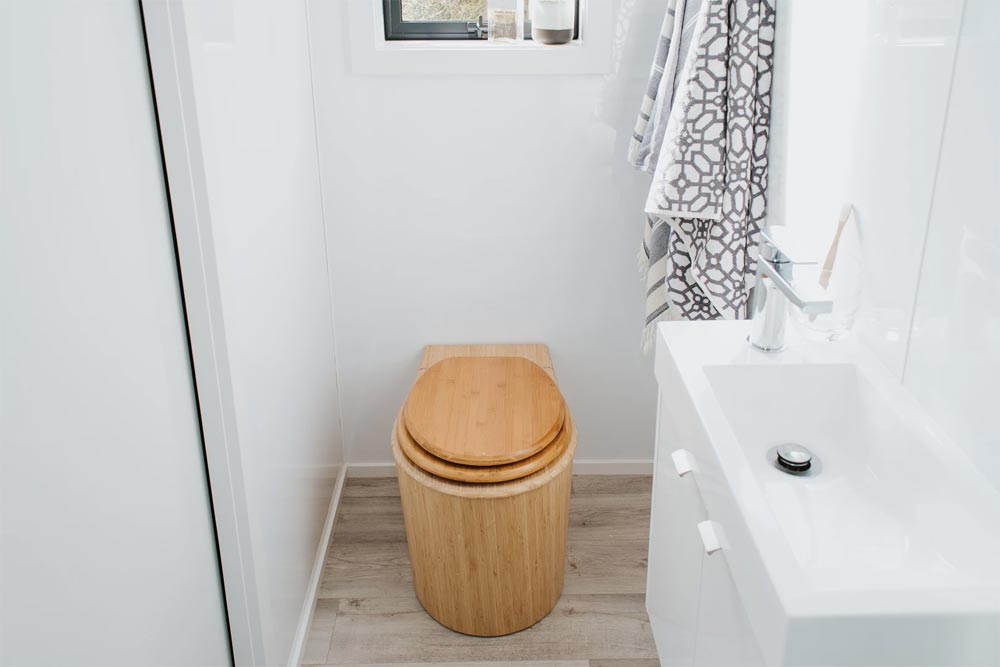 Bambooloo Toilet - Camper Tiny House by Build Tiny