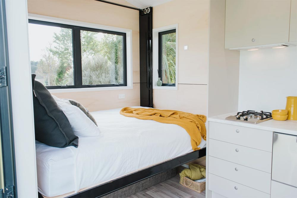 Retractable Bed - Camper Tiny House by Build Tiny