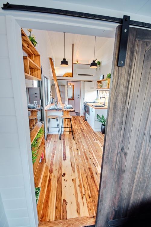 Sliding Barn Door - Grand Sojourner by Häuslein Tiny House Co