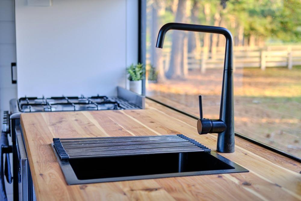 Kitchen Sink - Grand Sojourner by Häuslein Tiny House Co