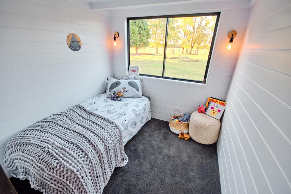 Main Floor Bedroom - Grand Sojourner by Häuslein Tiny House Co