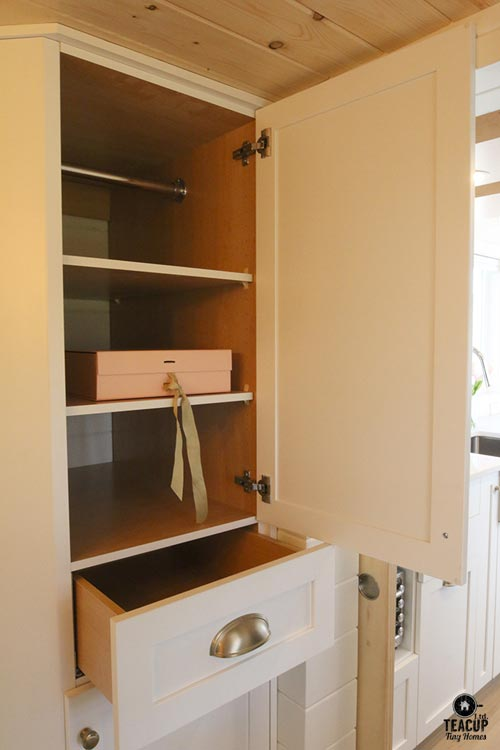 Bathroom Storage - Innisfree Anarres by Teacup Tiny Homes
