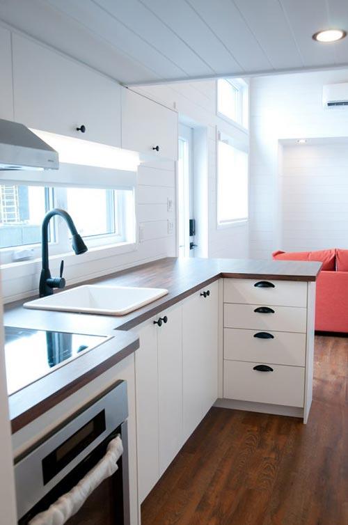 Large Kitchen Window - Thuya by Minimaliste