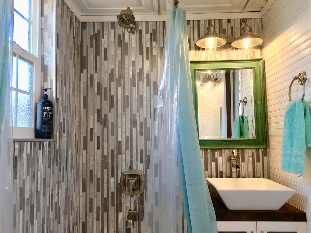 Tile Bathroom - Ark at Zion National Park