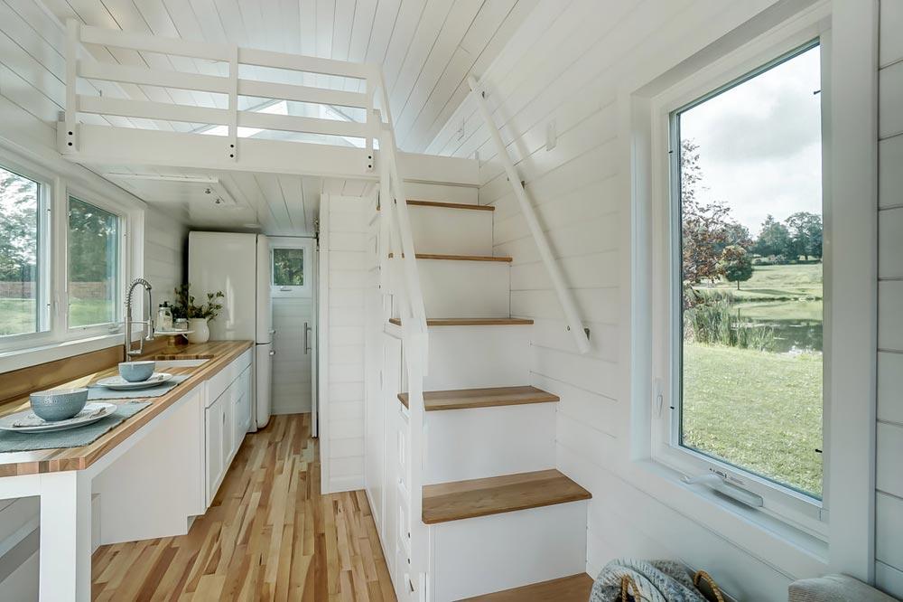 Stairs w/ Railing - Rainier by Modern Tiny Living