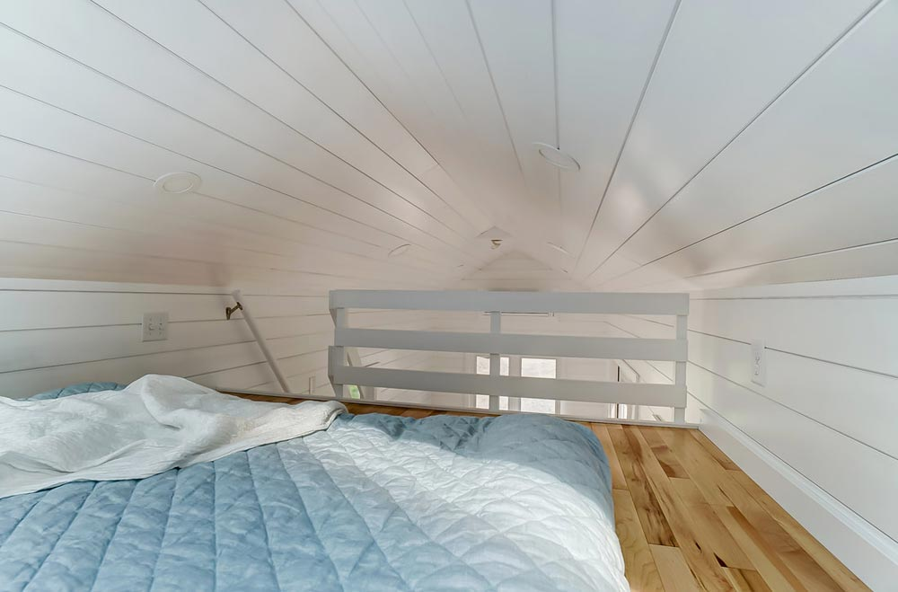 Loft Railing - Rainier by Modern Tiny Living