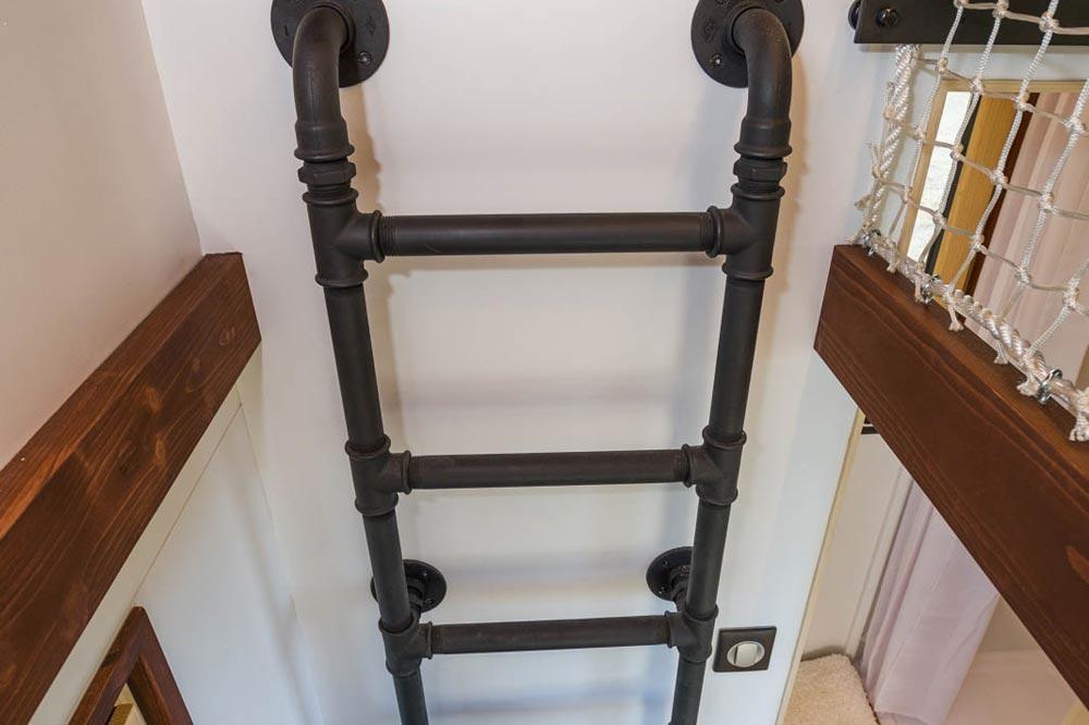 Pipe Ladder - Nano by Baluchon