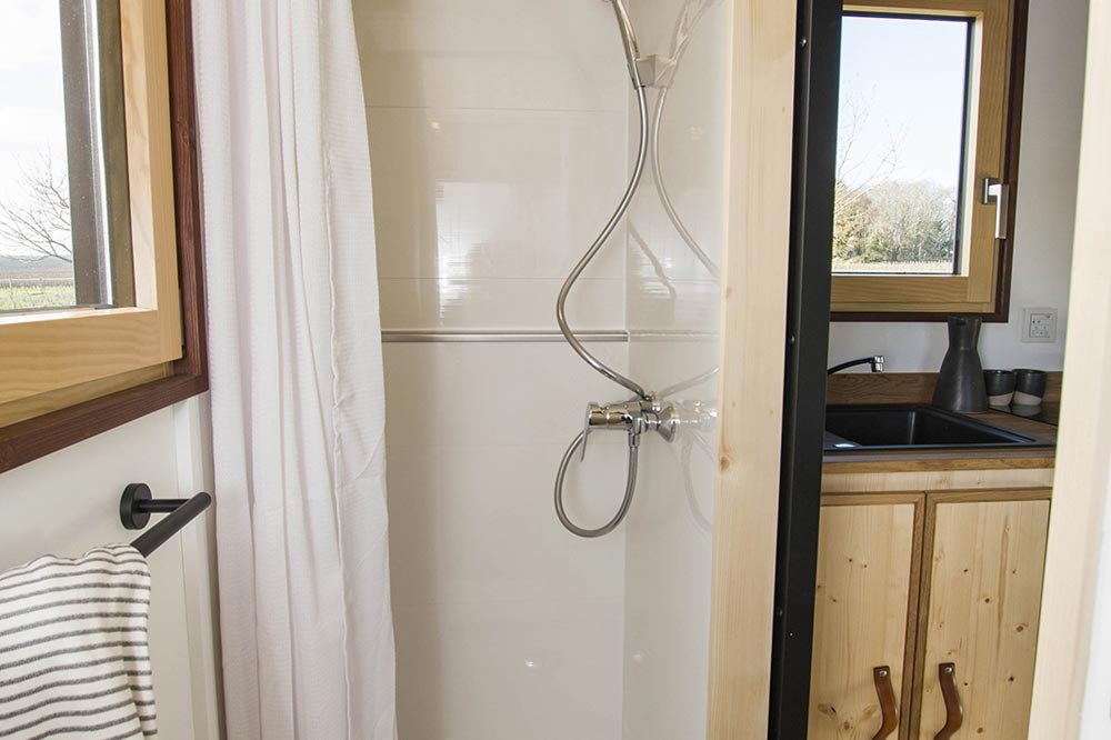 Shower - Nano by Baluchon