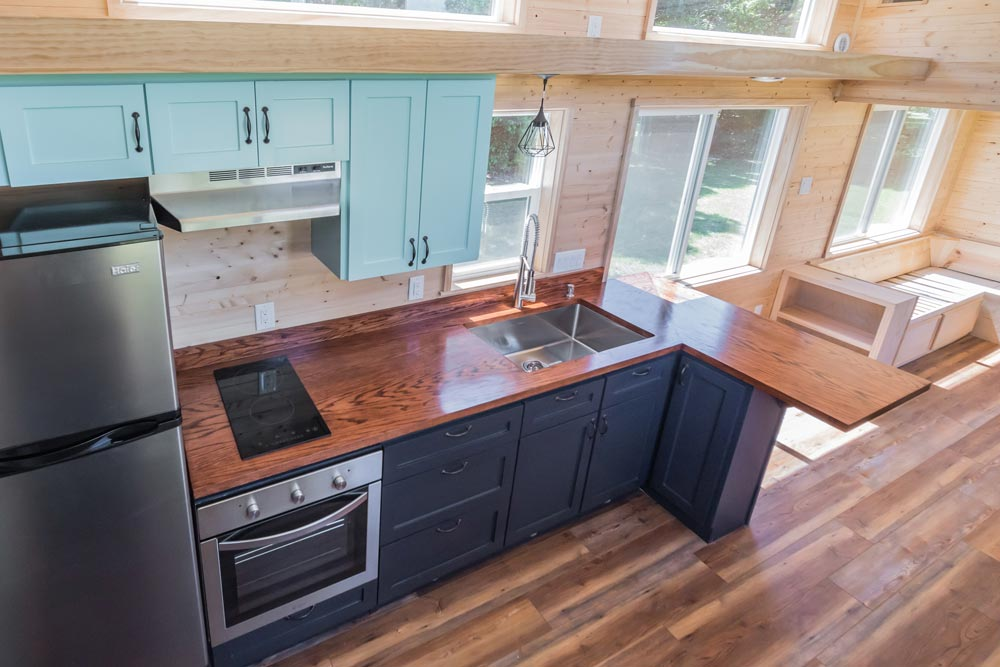 L-Shaped Kitchen Counter