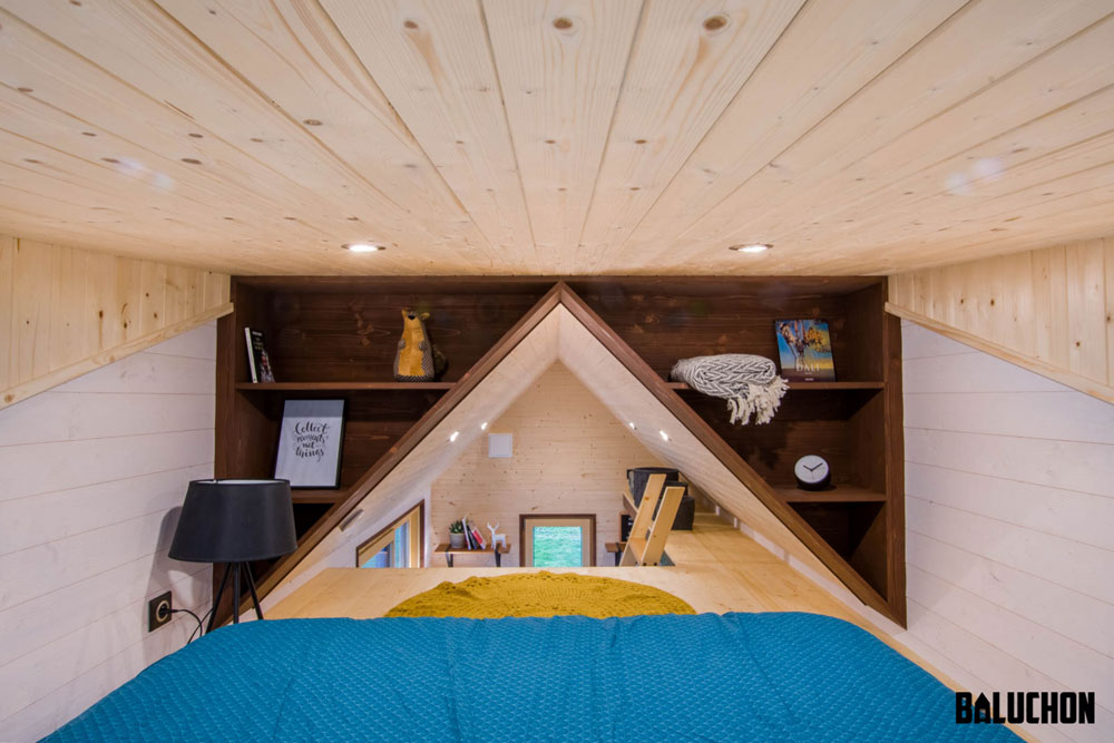 Triangular Bookcases - Mogote by Baluchon