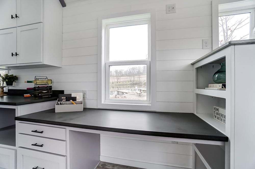 Workstation - Niagara by Modern Tiny Living