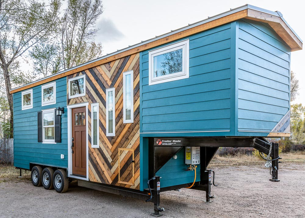 Nicole's Tiny House by MitchCraft Tiny Homes