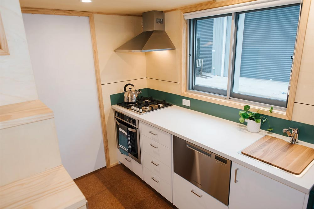 Gas Stove/Range - Sonnenschein Tiny House by Build Tiny
