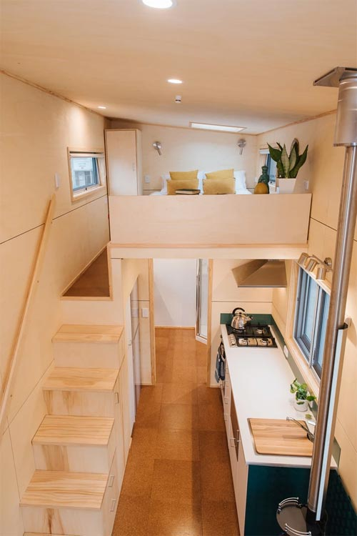 Privacy Wall - Sonnenschein Tiny House by Build Tiny