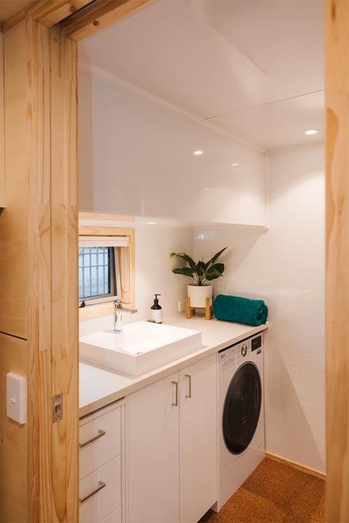 Bathroom - Sonnenschein Tiny House by Build Tiny