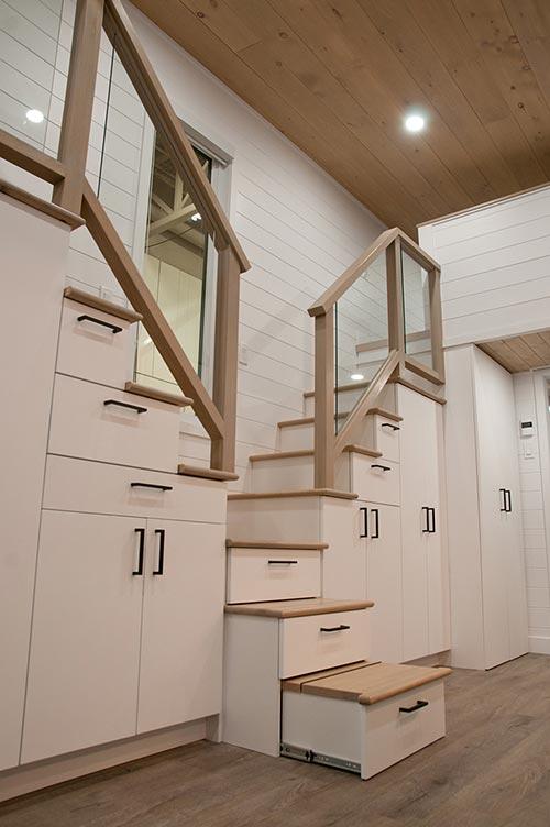 Storage Staircase - Charme by Minimaliste