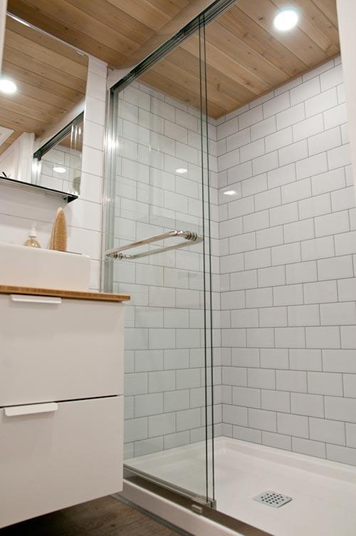 Tile Shower - Charme by Minimaliste